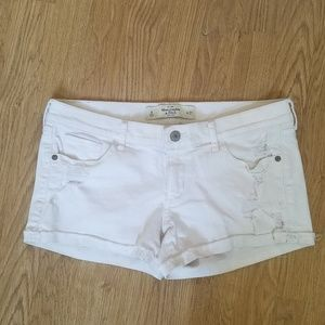 AF Abercrombie distressed white Jean short 4 27